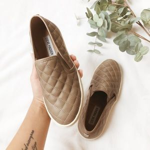 Steve Madden • Ecentrcq quilted slip-on sneakers 6